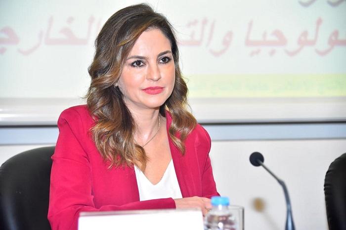 """الوزيرة عبد الصمد:"""" دور الاعلام مهمّ جداً في التسويق لخطة صناعية تشجّع الاستثمار في صناعة الابتكار"""""""